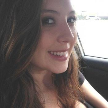 29-jarige brunette zoekt een hete sexdate!