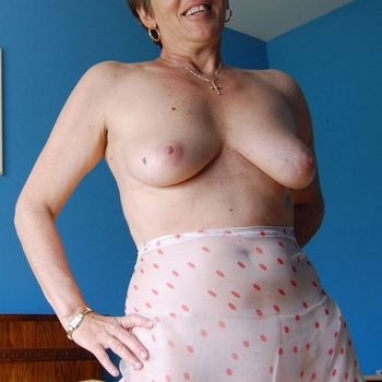 Rijpe vrouw op zoek naar een affaire in Limburg.
